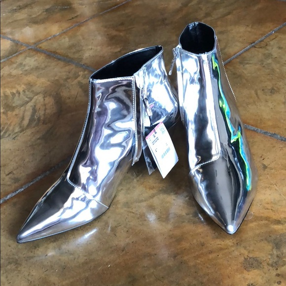966e1667fc Zara Shoes | Silver Pointed Toe Kitten Heel Bootie 4110 | Poshmark